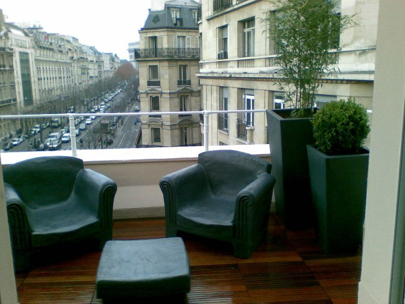 am nagement d 39 une petite terrasse benoist qu nault paysages services. Black Bedroom Furniture Sets. Home Design Ideas