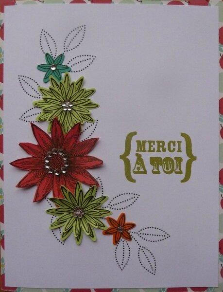 carte fleurs découpées