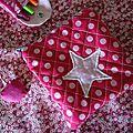 Pochette matelassée avec appliqué étoile