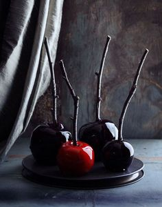 spooky-apples