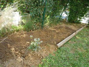 La reine des b cheuses le journal de miss plumette for Bordure jardin demi rondin bois