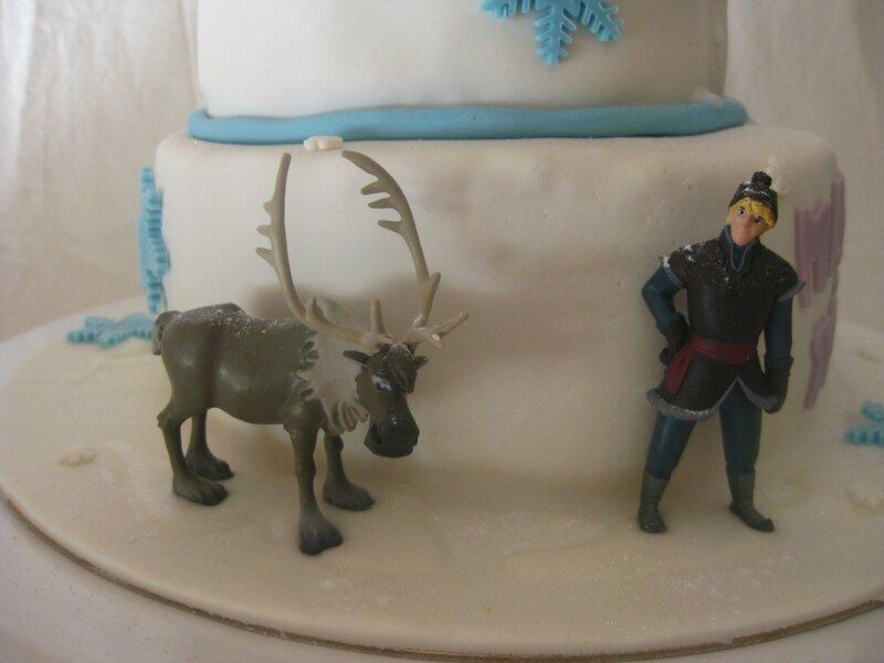 20160205 gâteau reine des neiges (20)