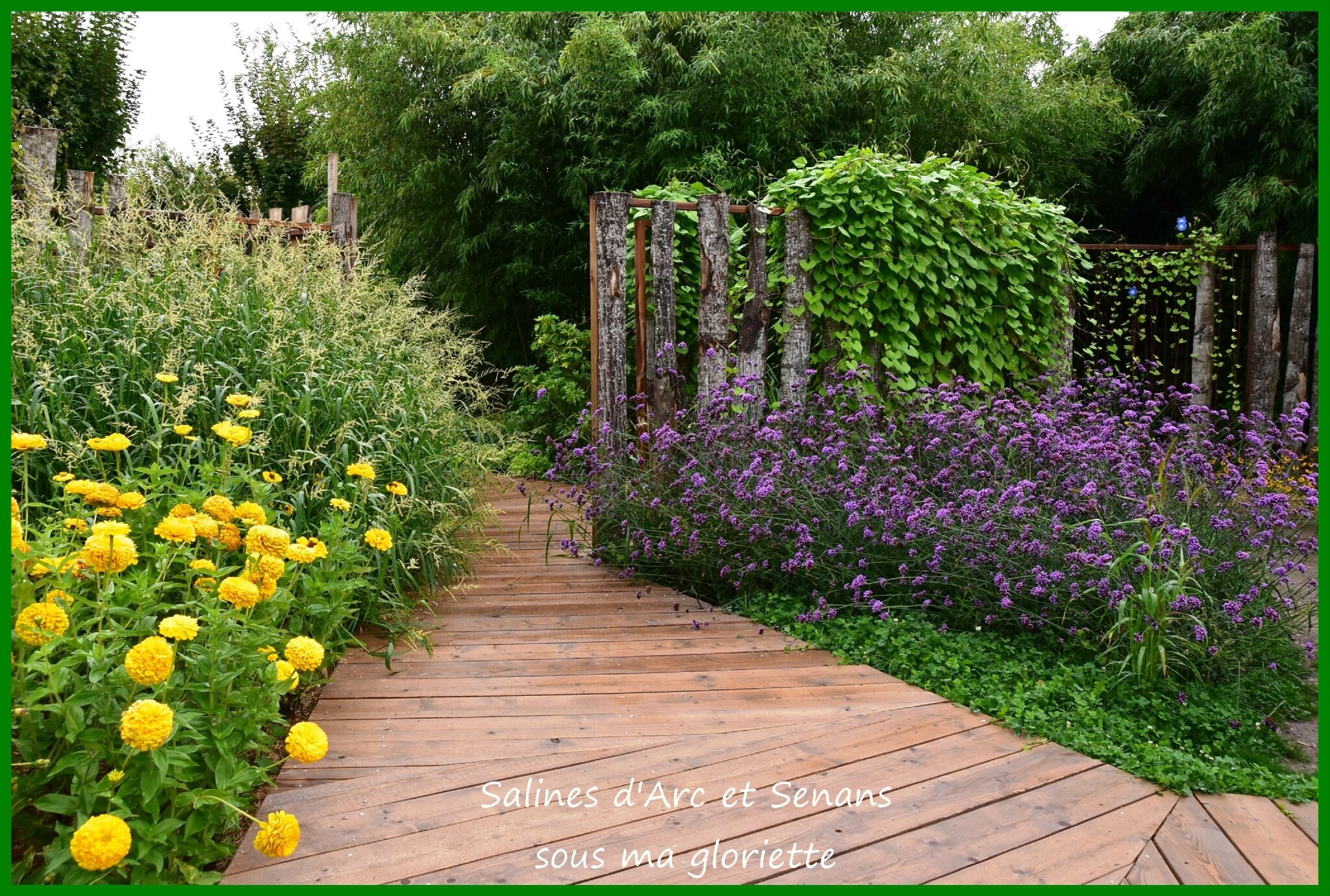 expo tintin dans les jardins de la saline royale d 39 arc et senans sous ma gloriette. Black Bedroom Furniture Sets. Home Design Ideas