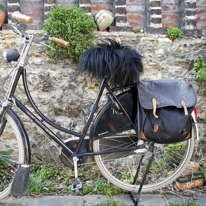 housse-de-selle-de-velo-selle-moumoute-en-veritable-peau-de-mouton-58069_178791