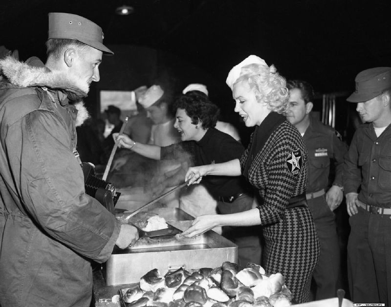 1954-02-18-korea-2nd_division-lunch_with_jeanOdoul_by_walt_durrell-1