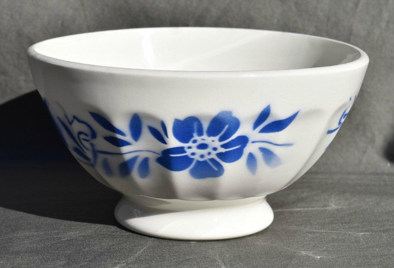 BOL DIGOIN SARREGUEMINES décor de fleurs au pochoir en bleu
