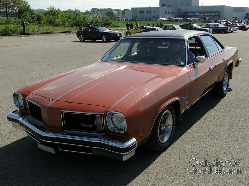 Oldsmobile cutlass salon colonnade 4door sedan 1975 for 85 cutlass salon