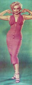 mm_dress_niagara_pink_pose