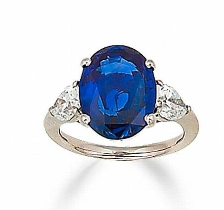 A_sapphire_and_diamond_ring3