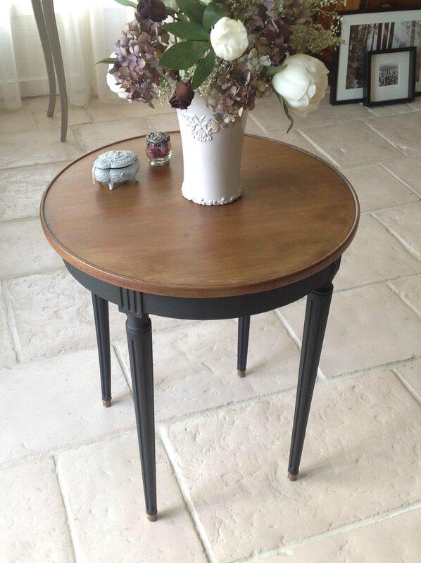 Patine Noire Moderne Pour Une Table Aux Lignes Classiques L 39 Atelier D 39 Ema