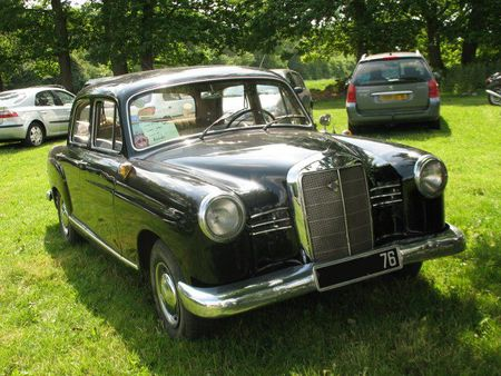 Mercedes180Dav1