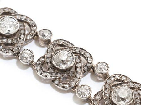 A_diamond_set_gold_and_silver_bracelet3