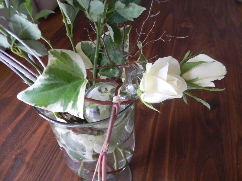 petites roses blanches la maison aux volets bleus. Black Bedroom Furniture Sets. Home Design Ideas
