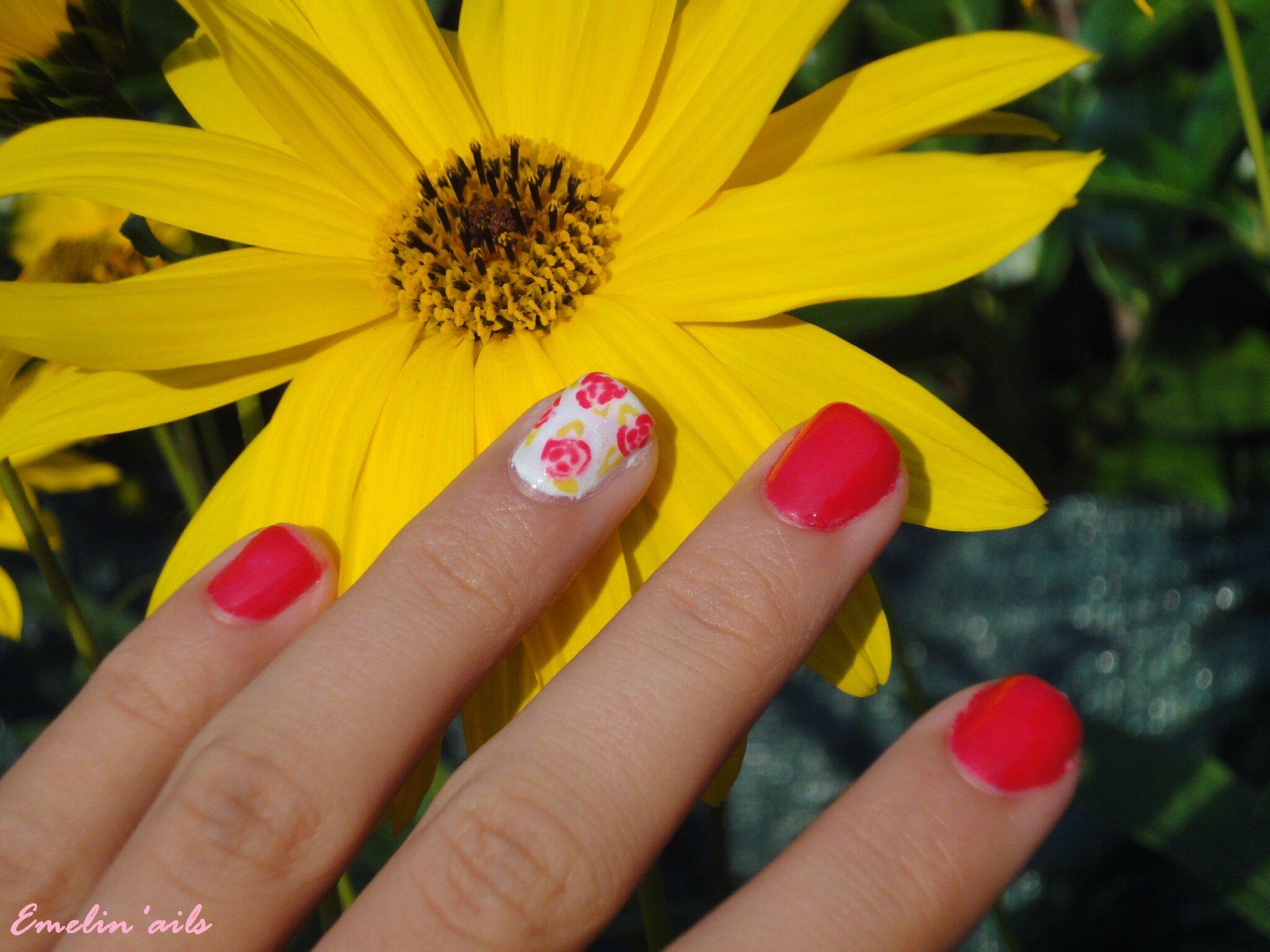 Tuto : Manucure roses liberty...