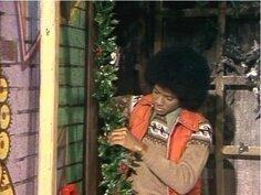 """Michael Jackson dans """"A Special Sesame Street Christmas"""", le 8 décembre 1978 92119193"""