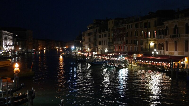 Venise by night !