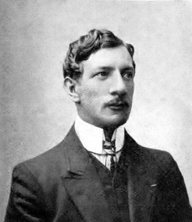 Léon Pasqual