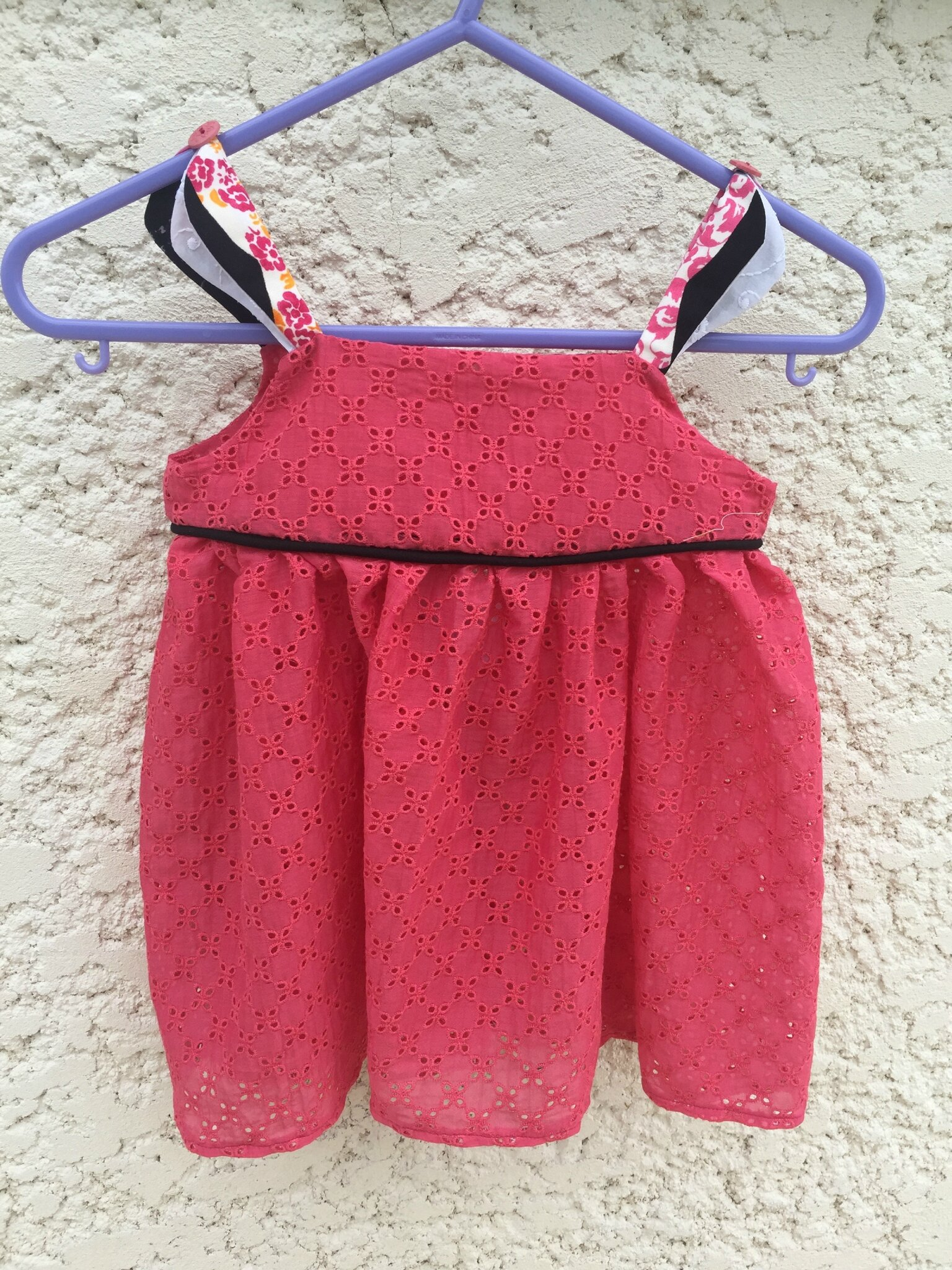 Pétale en broderie anglaise (taille 6 ans)