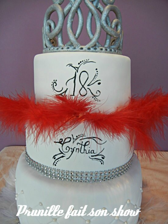 wedding cake chic cabaret plumes strass prunillefee