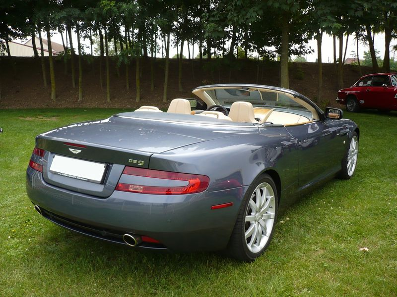 aston martin db9 cabriolet vroom vroom. Black Bedroom Furniture Sets. Home Design Ideas