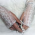 Gants de mariée, wedding gloves, dentelle and more by amd à coudre
