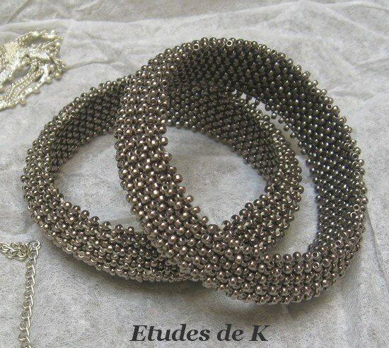 Bangle metal Bead & Button