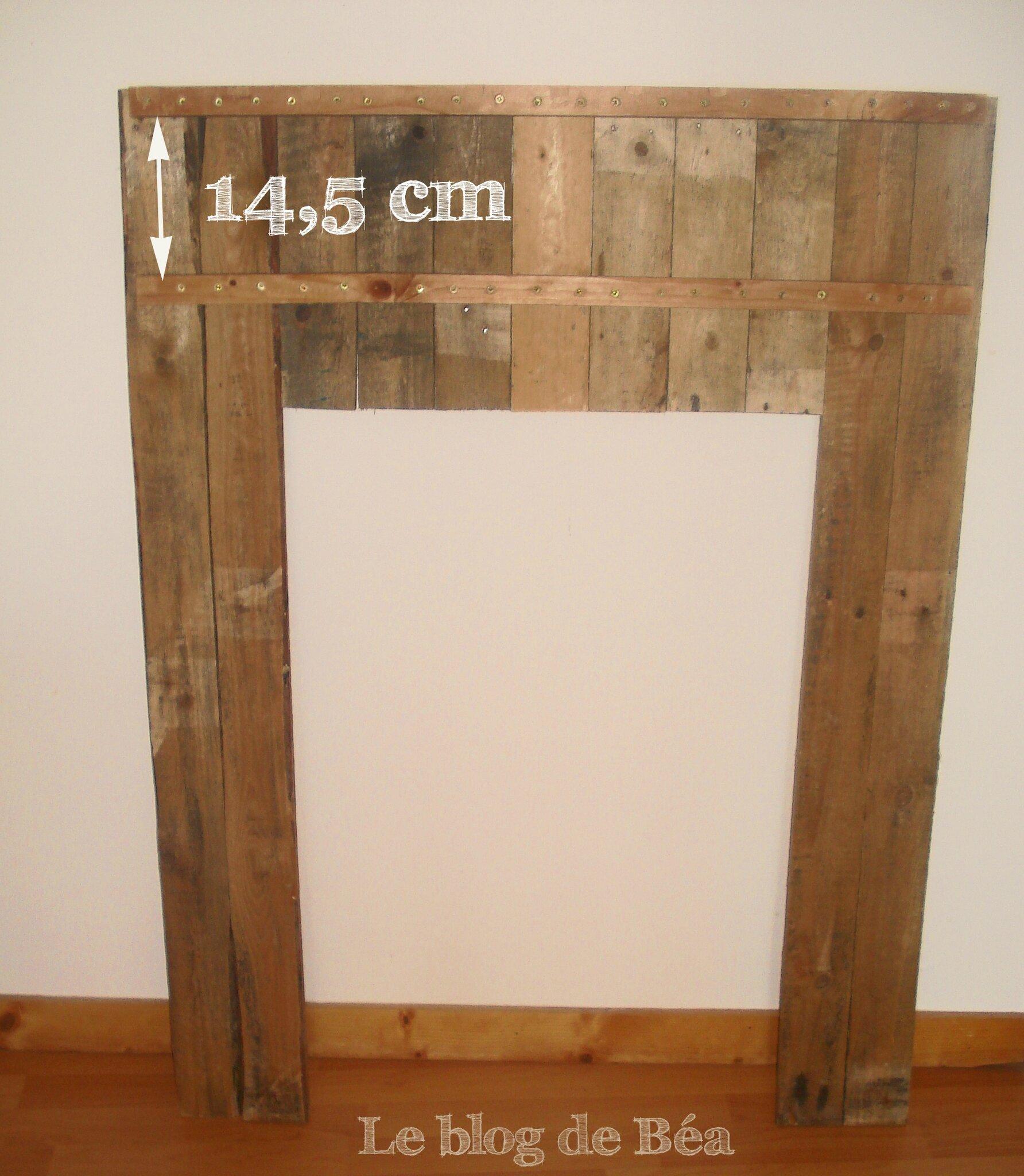 Fausse cheminée en bois de palette