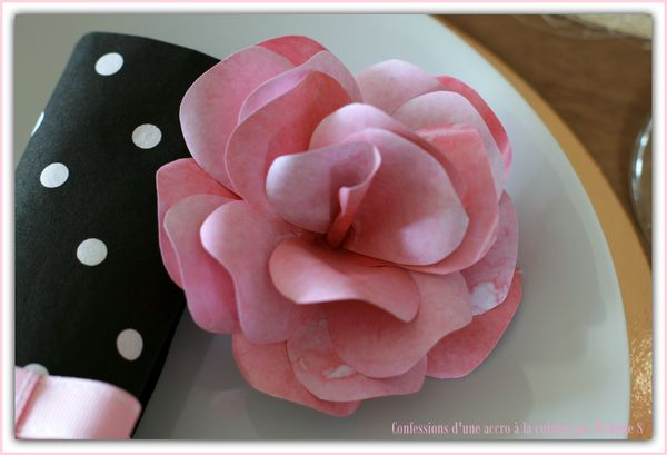Table rose et or 019