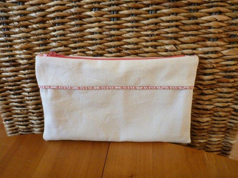 pochette-plate-blanc-cassé-et-rose (1)