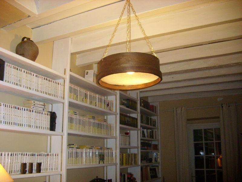 Cr er un luminaire avec un tamis de ma on recyclage et cie - Detournement d objet recup ...
