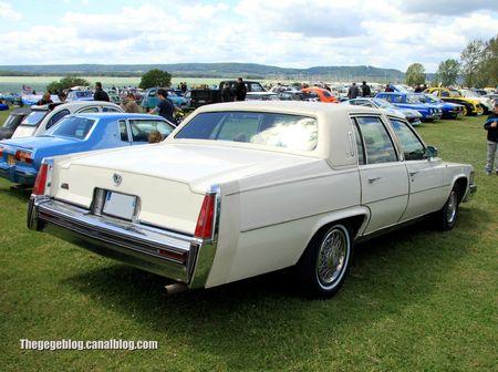 Cadillac fleetwood brougham de 1977 (Retro Meus Auto Madine 2012) 02