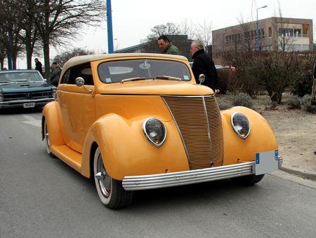 Ford_type_rod_convertible_de_1937__23_me_Salon_Champenois_du_v_hicule_de_collection__01