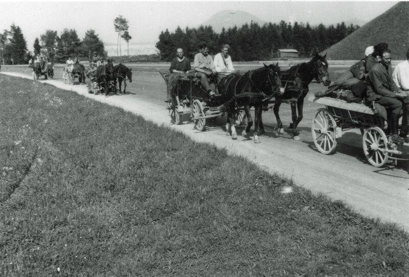 12RCA CAZENEUVE 28 Retraite allemande sur l'Autostrade de Munich