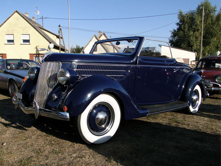 FORD_DeLuxe_Cabriolet___1936__2_