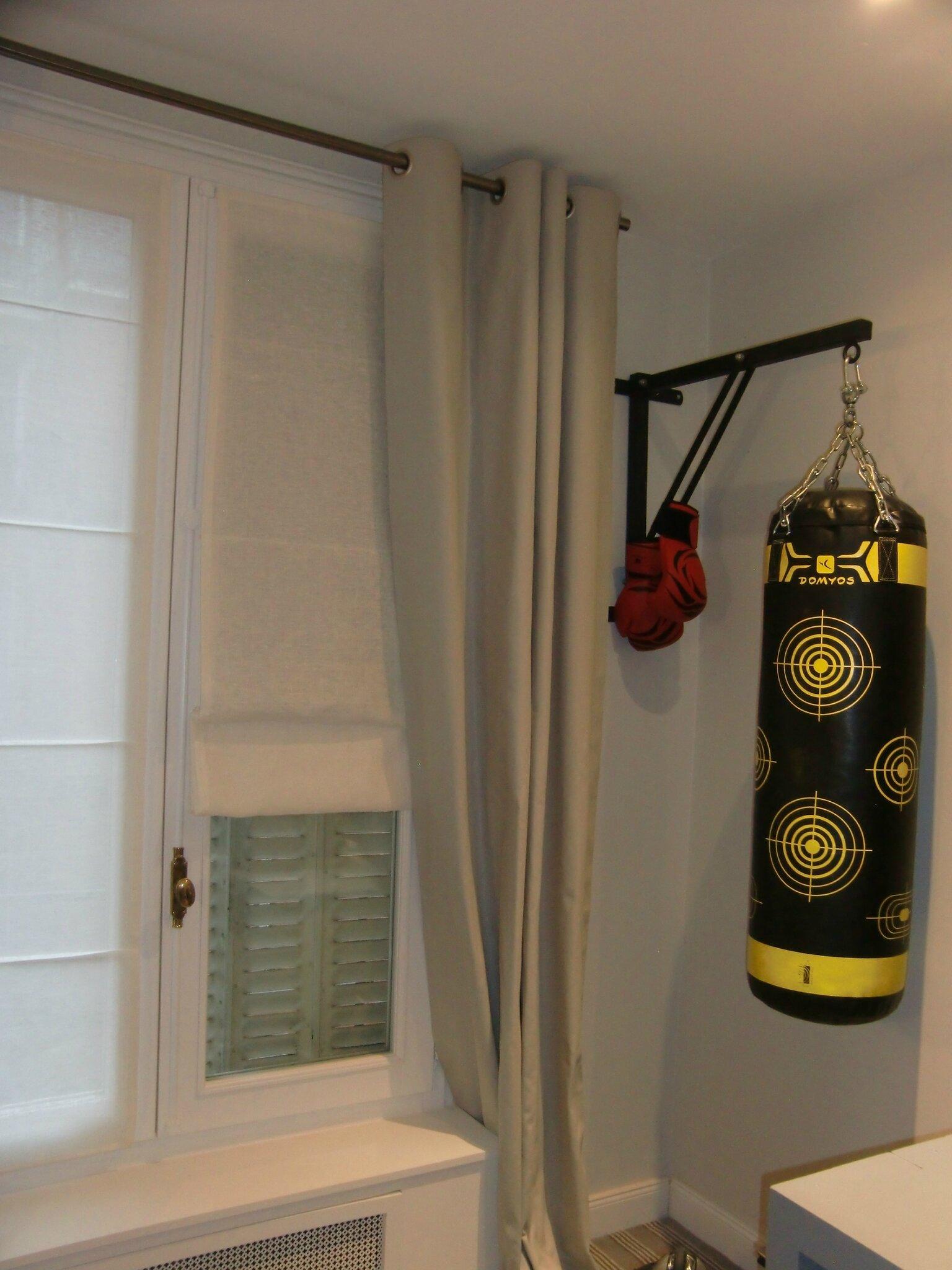 stores en voile de lin et des rideaux en satin blanche l 39 a fait. Black Bedroom Furniture Sets. Home Design Ideas