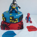 Gâteau Batman contre Spiderman