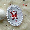 Marimerveille médaillon petit Père-Noël vintage
