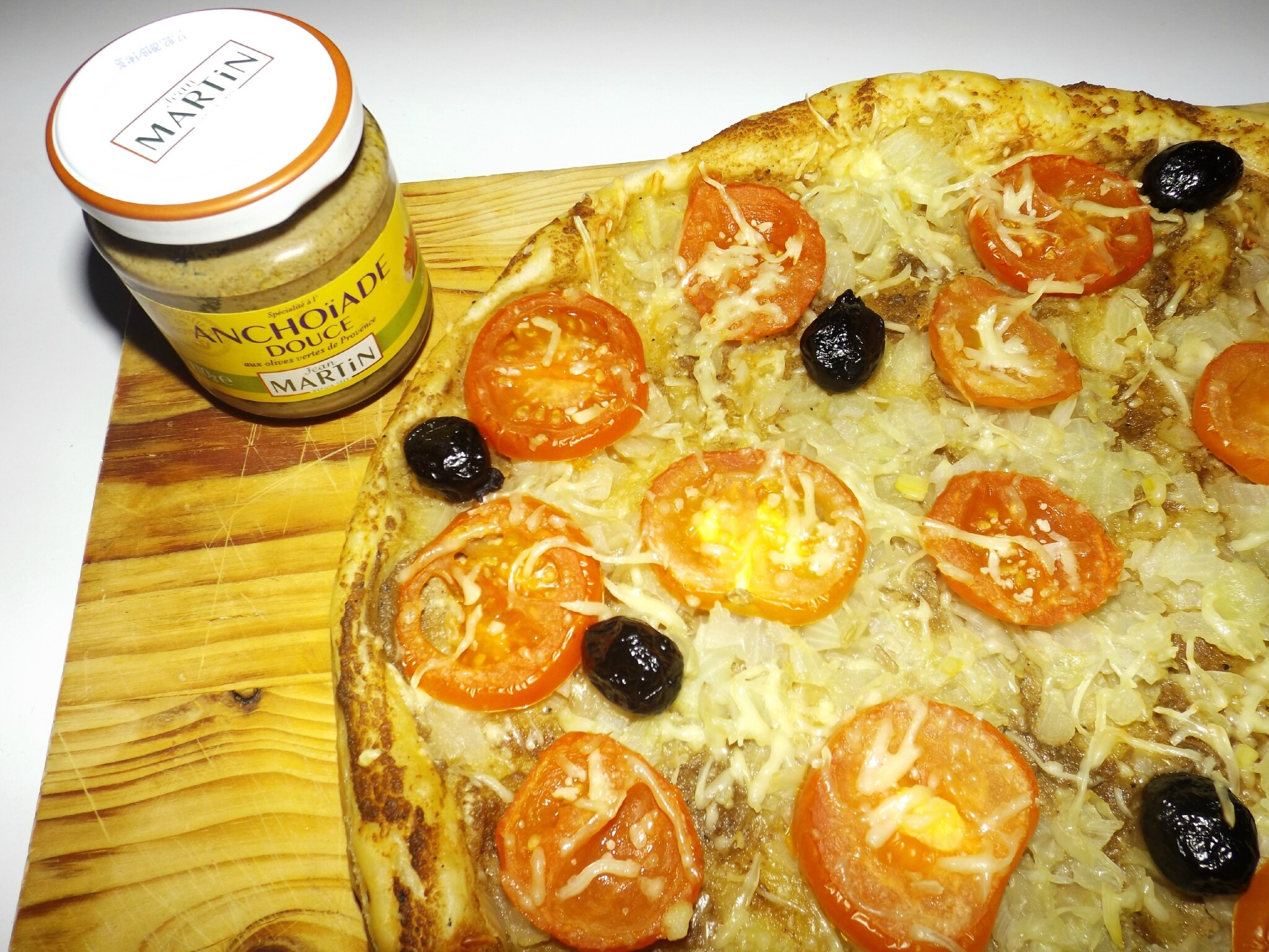 Tarte l 39 anchoiade et aux tomates fa on pissaladi re a for Anchoiade maison