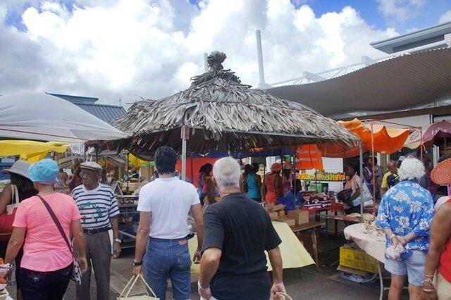 Rodrigues : Marché de Port Mathurin - Tourte à la papaye et noix de coco