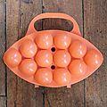 1 boîte à oeufs orange