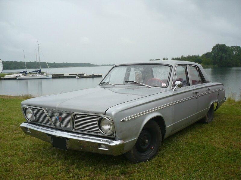 PLYMOUTH Valiant 200 4door Sedan 1966 Madine (1)