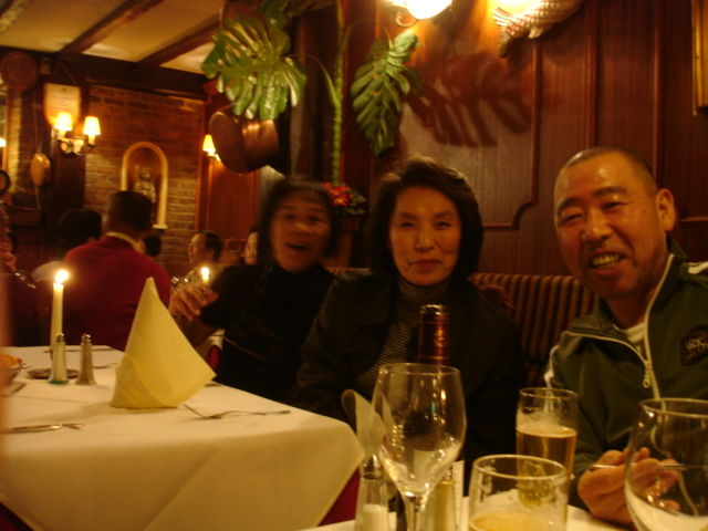 with kyushu tourists in bruxelles restaurant