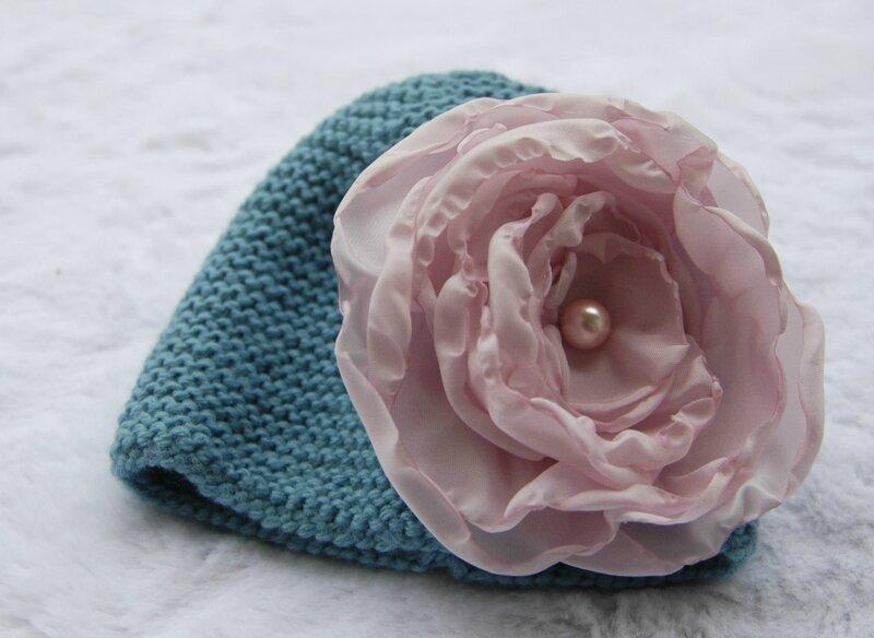 Bonnet gazouillis et cie-fleur cereza déco