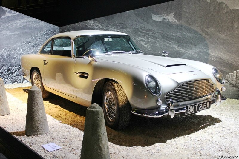 At the entrance of the exhibition the Aston Martin DB5, 1964. Photo: Olivier Daaram Jollant © 2016