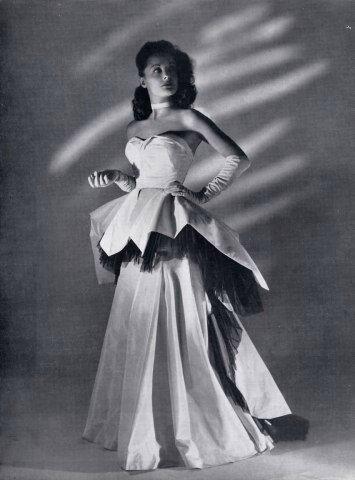 Robe du soir d'Henriette Beaujeu portée par Louise Carletti