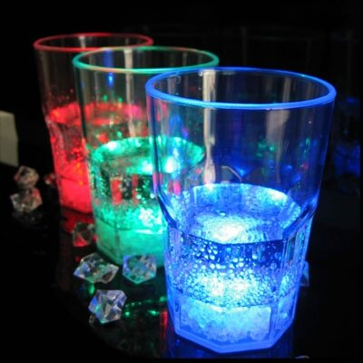 verre a whisky led photo de verre lumineux led party. Black Bedroom Furniture Sets. Home Design Ideas