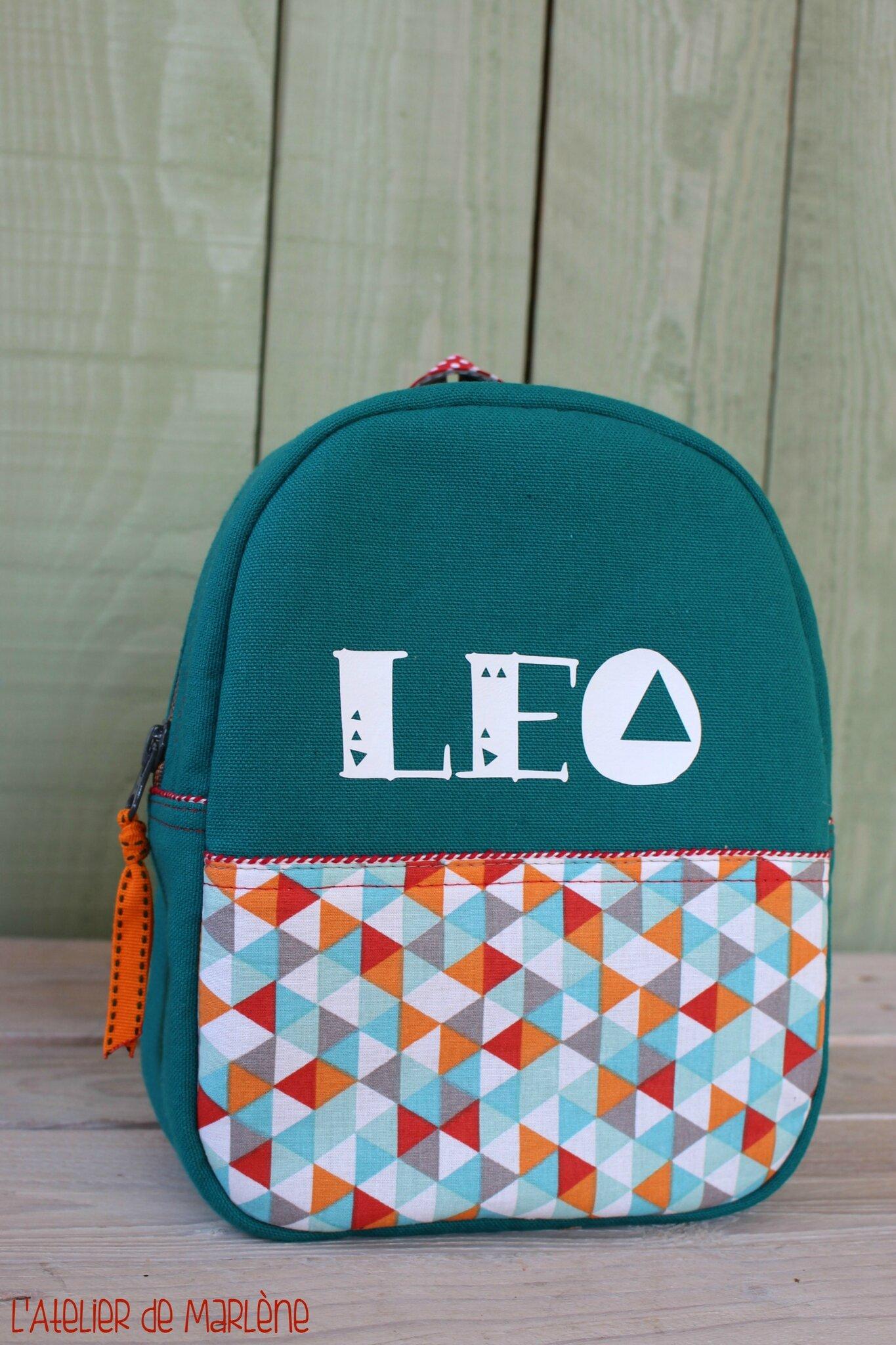 sac a dos enfant motif géométrique triangles