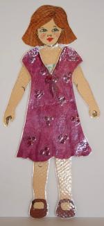 Poupee a habiller Loly et sa robe à fleurs rose