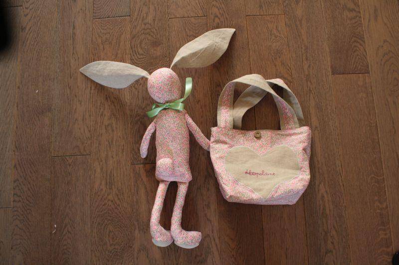 martin le lapin, 22€, et son sac reversible, 15€