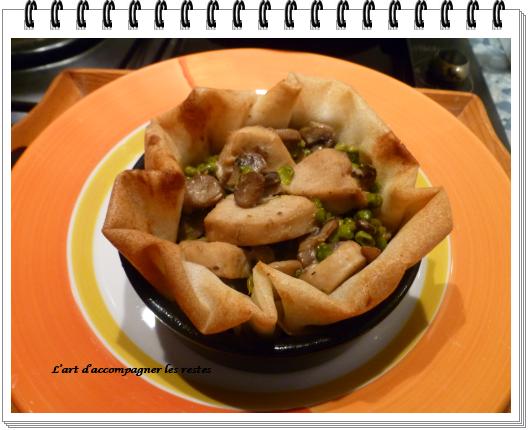 Feuilletés de poulet au Roquefort et pignons1